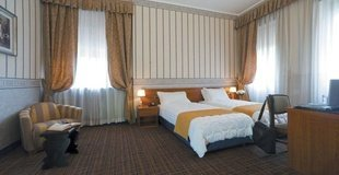 STANDARD ROOMS ATH Green Park Hotel Pamphili