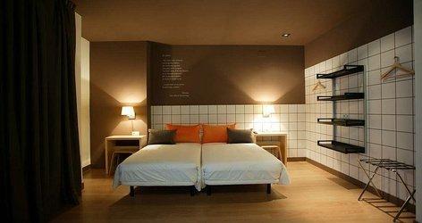 DOUBLES ROOMS PLUS EXTRA BED ELE Hotelandgo Arasur